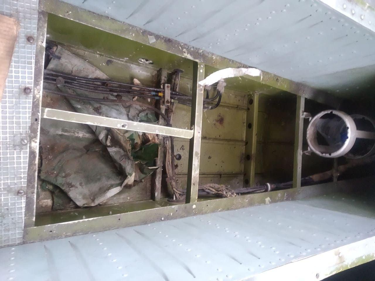 Ан-14 кабина пилота _пол.jpg