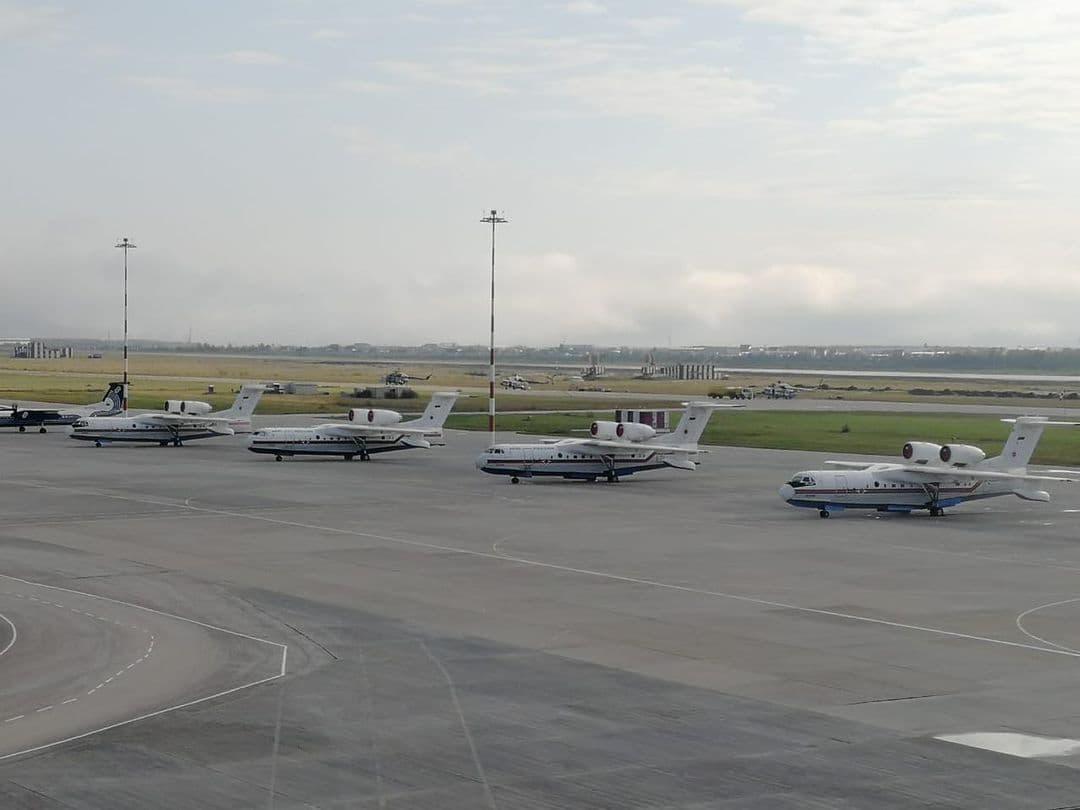 be-200-aeroport-4-sht.jpg